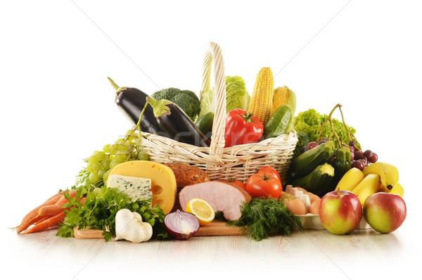 élelmiszer fonott kosár konyhaasztal étel bor Stock fotó © monticelllo