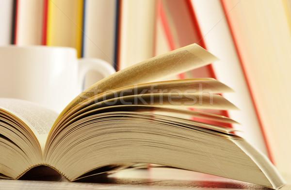 Kitaplar tablo okul eğitim yazı öğretmen Stok fotoğraf © monticelllo