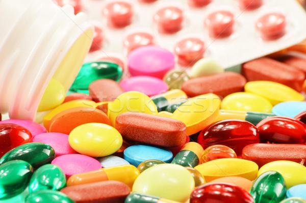 Cápsulas drogas pastillas médicos naturaleza Foto stock © monticelllo