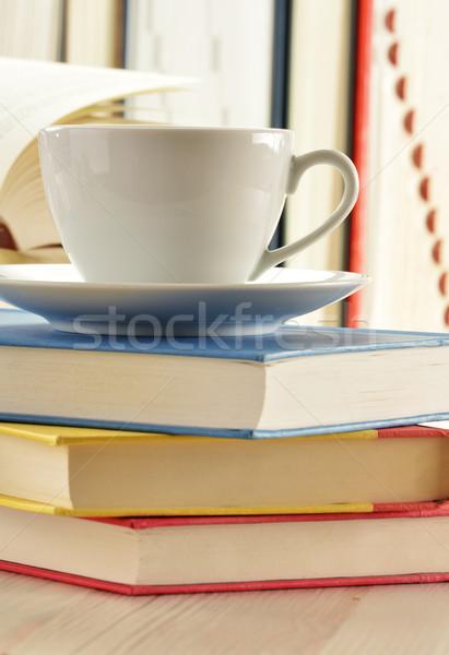 Książek kubek kawy pić czytania Zdjęcia stock © monticelllo