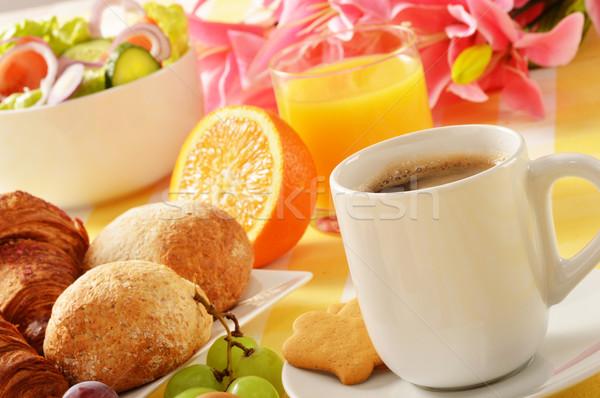 Desayuno mesa alimentos café naranja restaurante Foto stock © monticelllo