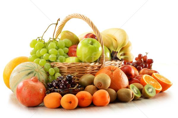 Fruits osier panier isolé blanche alimentaire Photo stock © monticelllo