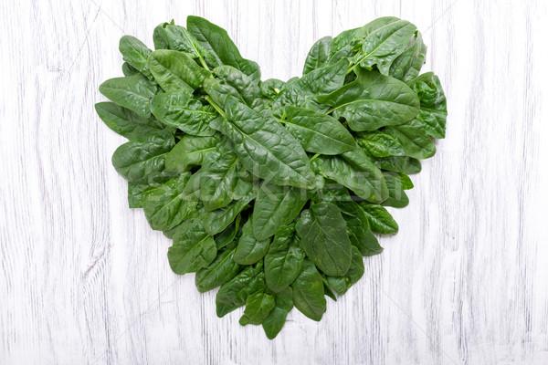Spenót szív alak zöldségek friss diéta egészséges Stock fotó © Moradoheath