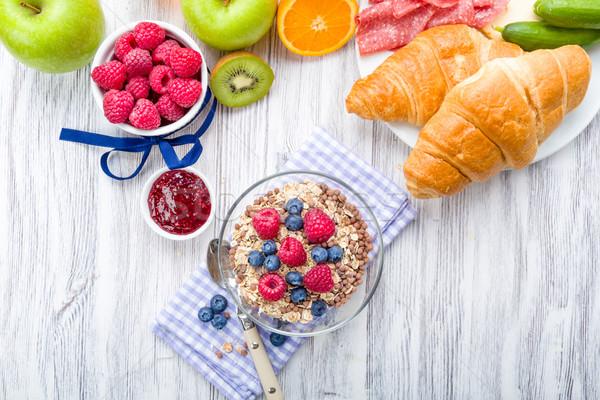 Muesli frutas frescas café da manhã tabela fruto saúde Foto stock © Moradoheath