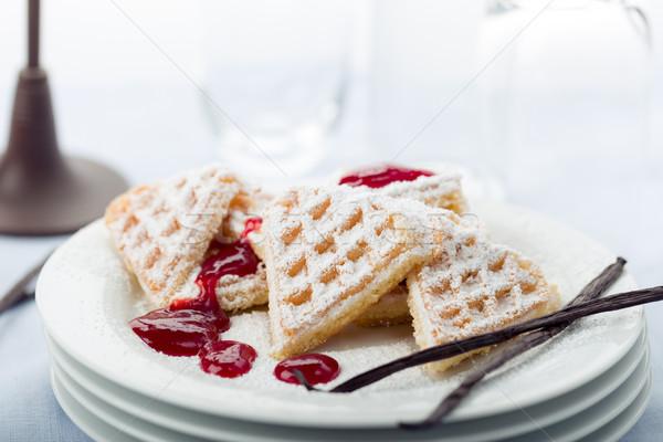 Vers gebakken poedersuiker hart voedsel dessert Stockfoto © Moradoheath