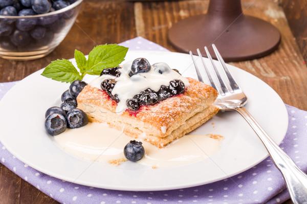 Gebak bosbessen vanille saus mint dessert Stockfoto © Moradoheath