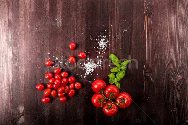 Tomates sal manjericão estúdio fresco dieta Foto stock © Moradoheath