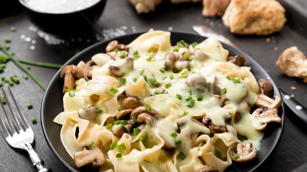 Cogumelos molho fresco cebolinha pão Foto stock © Moradoheath