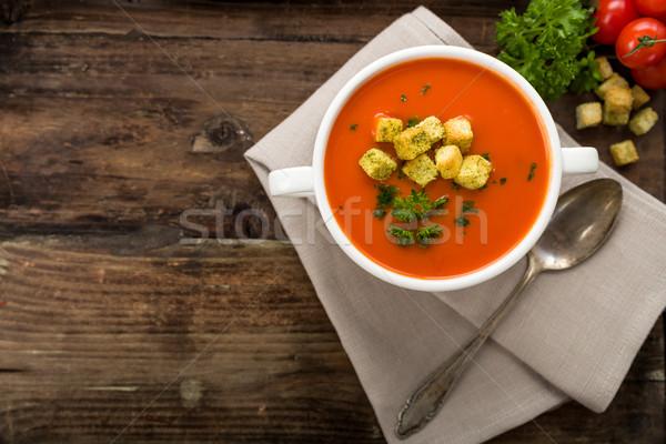 Tomatensuppe mit Croutons Stock fotó © Moradoheath
