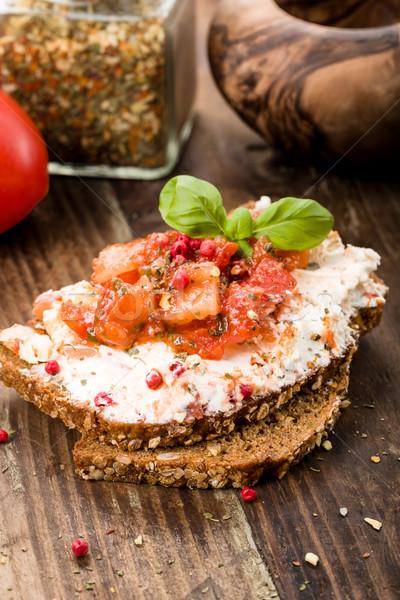 Kecskesajt kenyér bazsalikom paradicsom étel sajt Stock fotó © Moradoheath