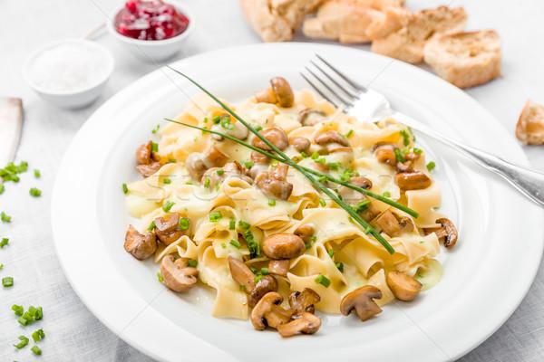 Stockfoto: Champignons · saus · vers · bieslook · brood