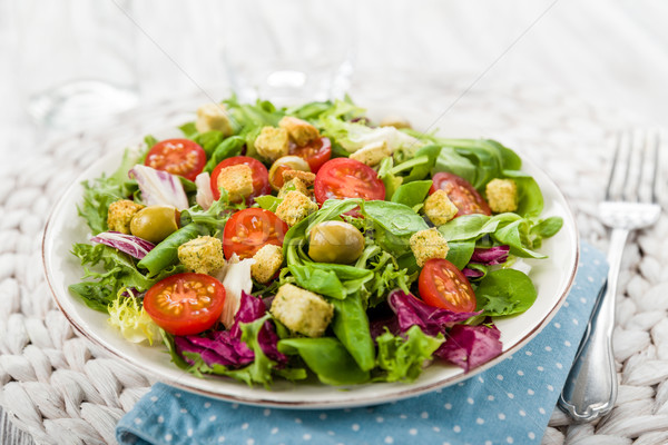 Fraîches salade tomates olives tomate Photo stock © Moradoheath