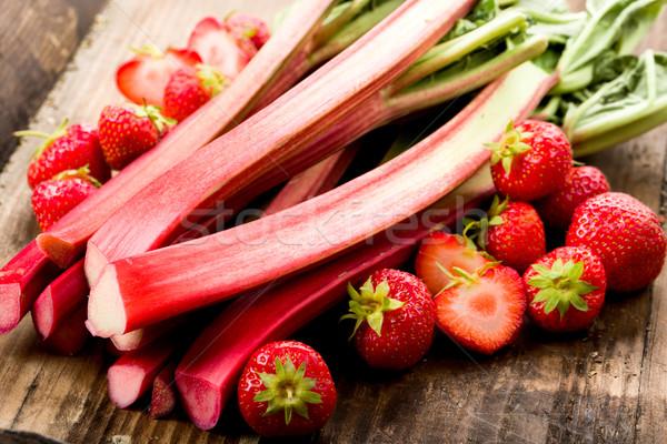Rabarbar truskawek świeże podziemnych owoców Zdjęcia stock © Moradoheath