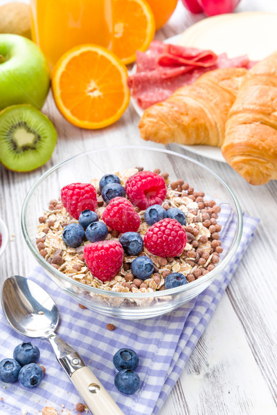 Müsli taze meyve kahvaltı tablo meyve sağlık Stok fotoğraf © Moradoheath
