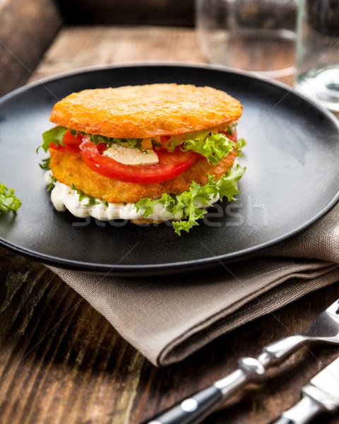 De pomme de terre fromages tomate laitue plaque Photo stock © Moradoheath