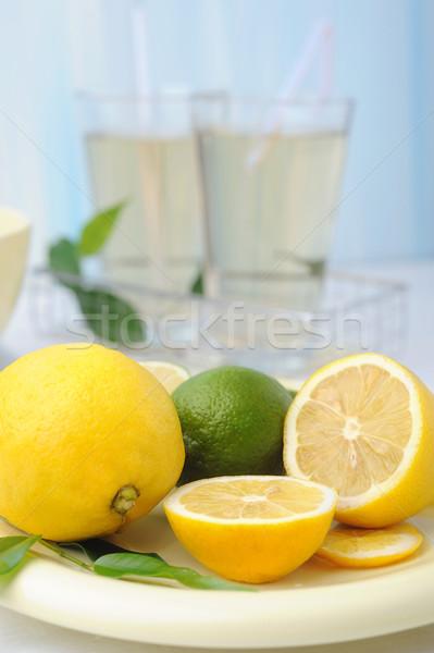 Limonada limões fresco molhado folhas Foto stock © Moravska