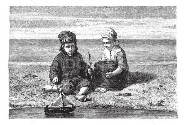 дети глядя небольшой лодка поверхности воды Vintage Сток-фото © Morphart