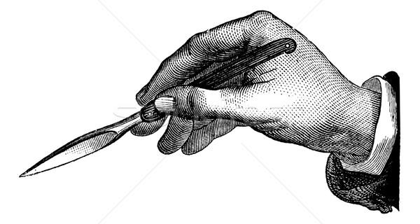 Position du bistouri dans l'incision simple de dedans en dehors, Stock photo © Morphart
