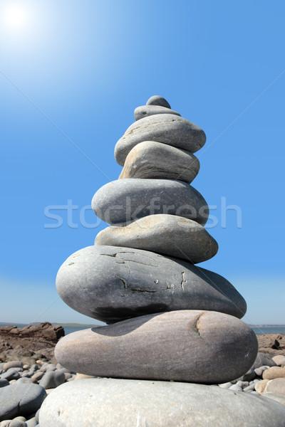 Dengeli taşlar kayalar manevi plaj Stok fotoğraf © morrbyte