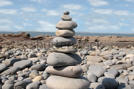 バランスのとれた 岩 岩 精神的な ビーチ ストックフォト © morrbyte