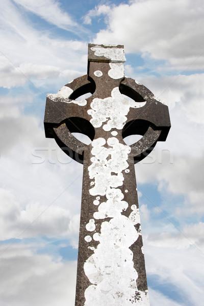 Kelta kő kereszt ír temető égbolt Stock fotó © morrbyte