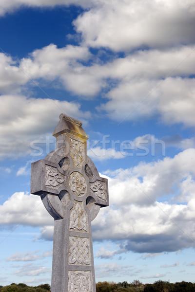 曇った 空 ケルト クロス 古い アイルランド ストックフォト © morrbyte