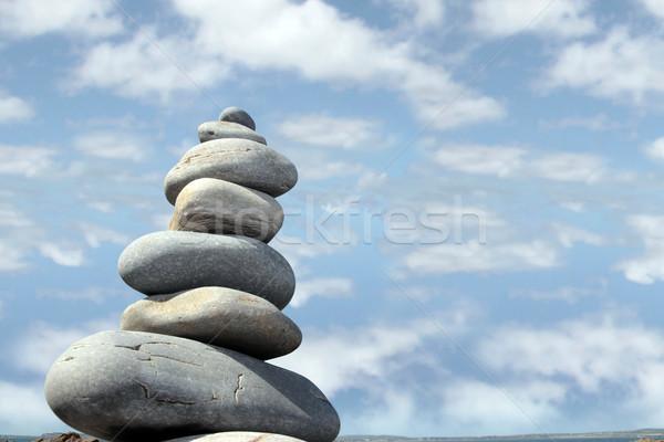 Espiritual rocha rochas equilibrado praia Foto stock © morrbyte
