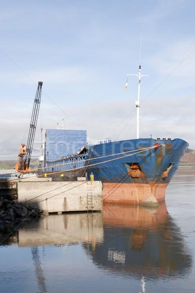 Grande barco aço navio guindaste pier Foto stock © morrbyte