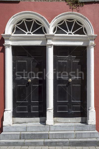 Twee deuren stad Ierland huis weg Stockfoto © morrbyte