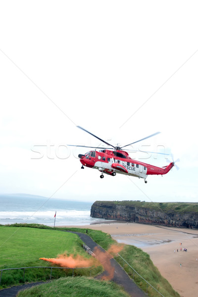 Mare salvataggio bagliore elicottero missione Irlanda Foto d'archivio © morrbyte