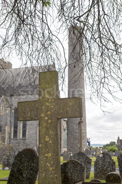 Kereszt ősi temető katedrális város Írország Stock fotó © morrbyte
