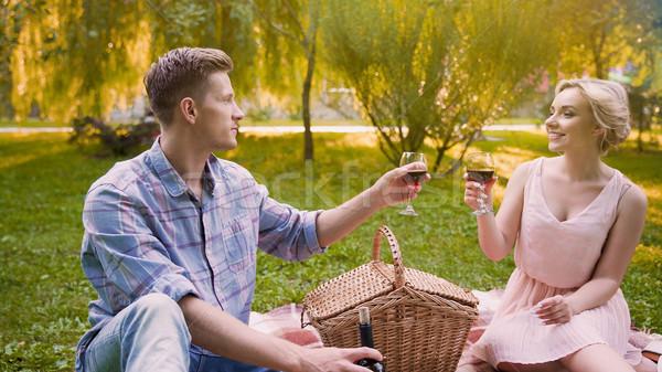 Coppia amore occhiali vino toast Foto d'archivio © motortion
