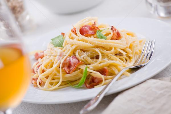 Makaronu tablicy boczek tarty ser żywności obiedzie Zdjęcia stock © mpessaris