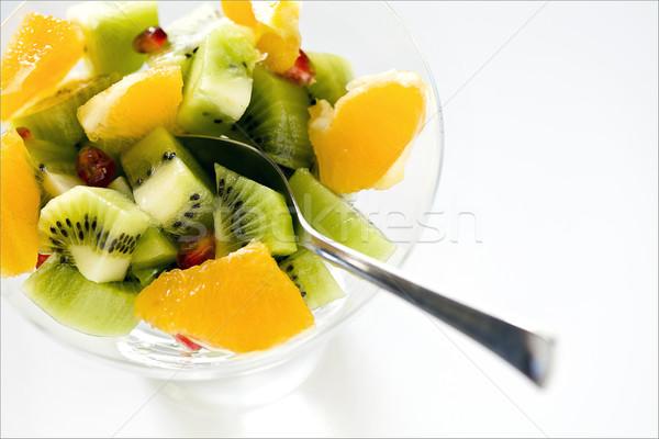 Gyümölcssaláta közelkép fénykép tál friss gyümölcsök Stock fotó © mpessaris