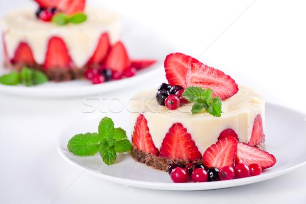 Vaniglia crema fragole dessert piatto Foto d'archivio © mpessaris