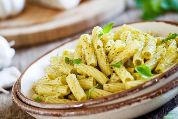 Foto stock: Pesto · prato · macarrão · fresco · caseiro · madeira
