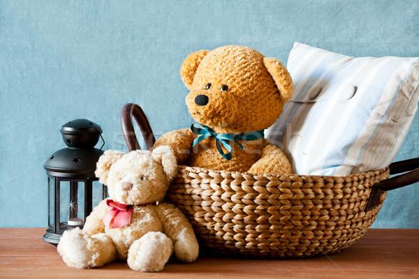 Zdjęcia stock: Miś · koszyka · cute · drewniany · stół · miłości · ściany