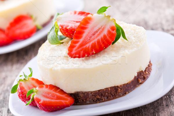 édes sajttorta házi készítésű vanília friss eprek Stock fotó © mpessaris