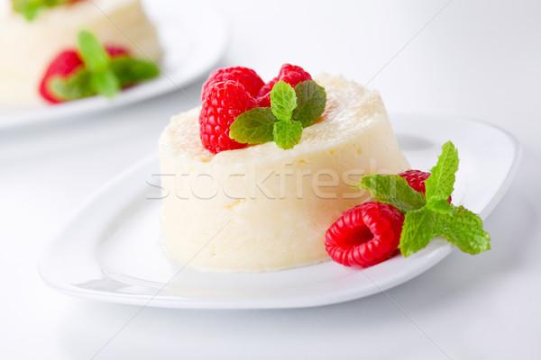 Málna házi készítésű desszert friss nyár zöld Stock fotó © mpessaris