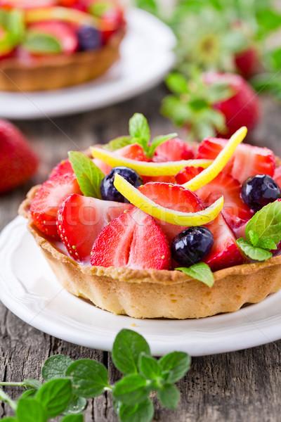 Słodkie truskawki pie domowej roboty placki świeże Zdjęcia stock © mpessaris