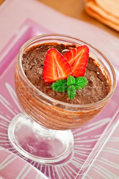 Mus czekoladowy puchar truskawek szkła owoce Zdjęcia stock © mpessaris