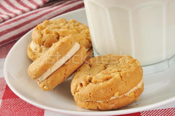 Pindakaas cookies melk room sandwich glas Stockfoto © MSPhotographic
