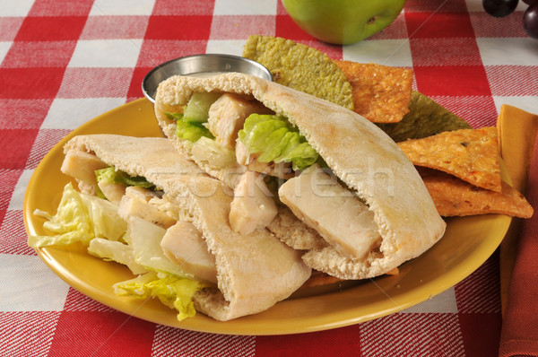 Kip caesar pita sandwich brood plantaardige Stockfoto © MSPhotographic