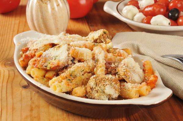 Kolbász mártás paradicsom mozzarella sajt saláta Stock fotó © MSPhotographic