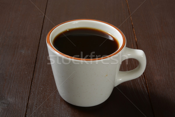 Eenvoudige beker zwarte koffie donkere houten tafel koffie Stockfoto © MSPhotographic
