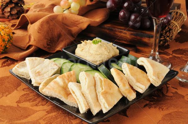 Pita strony taca chleba ser tablicy Zdjęcia stock © MSPhotographic