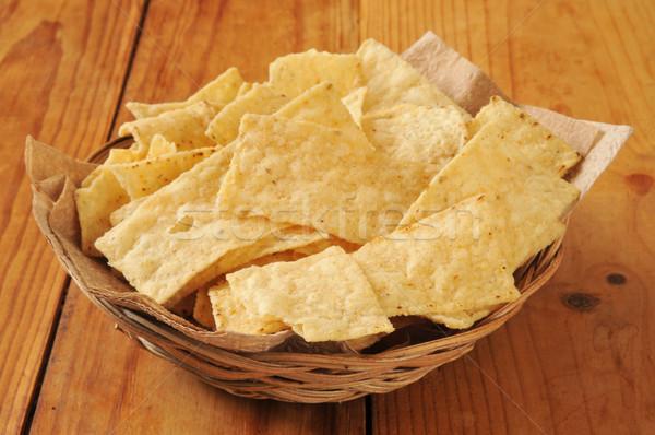 Milho tortilla batatas fritas cesta rústico Foto stock © MSPhotographic