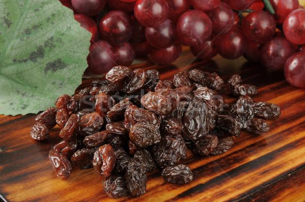 Nap aszalt mazsola köteg szőlő étel Stock fotó © MSPhotographic