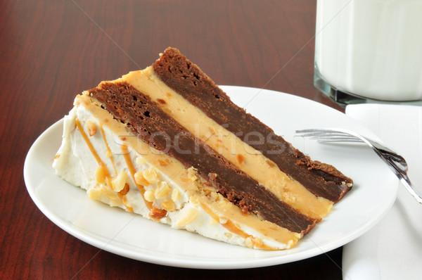 Fıstık ezmesi çikolatalı kek dilim gurme cheesecake Stok fotoğraf © MSPhotographic
