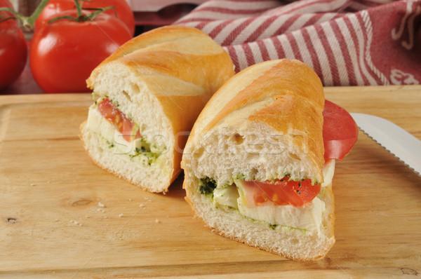 Caprese szendvics pesztó vágódeszka sajt saláta Stock fotó © MSPhotographic
